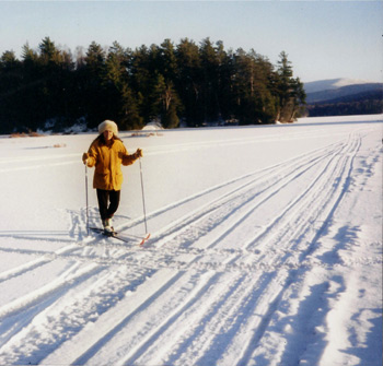 cross country skiing on moody pond